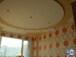 Фигуративен окачен таван със скрито осветление и апликации от гипсокартон
